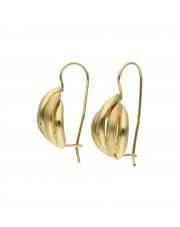 Klasyczne złote kolczyki na biglu
