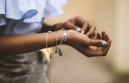 Jak wybrać bransoletkę na prezent dla dziewczyny?